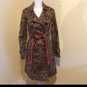 Trench Coat with an animal print